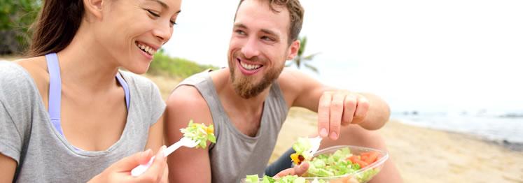 ¿Qué comidas light te puedes llevar a la playa?